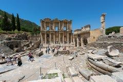 EPHESUS, TURKIJE - MEI 24, 2015: De Bibliotheek van Celsus is een oud Roman gebouw in Ephesus, Anatolië, nu deel van Selcuk, Turk Stock Foto