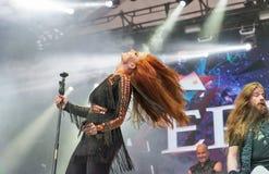 Epica exécute vivant au festival de week-end d'atlas à Kiev, Ukraine Photo libre de droits