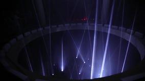 Epicentrum v 2 aangedreven door ROBE– TOENDRA - een binnen lichte installatie bij Signaal Licht festival 2016 in Praag stock video
