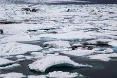 Epicka glacjalna laguna Jokulsarlon, Południowy Iceland Zdjęcia Royalty Free