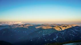 Epicki Halny panorama widok, wschód słońca przy Musala szczytem, Bułgaria Zdjęcie Stock