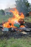 在种田的蜂的Epidemy -毁坏的蜂箱 免版税图库摄影