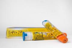 2 Epipens и коробка Стоковое фото RF