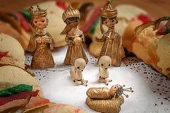 Epiphanykakan, konungar bakar ihop, eller rosca de reyes Arkivbild