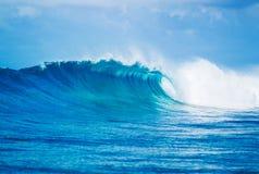 Epische Wellen, perfekte Brandung Stockbilder