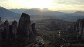 Episk bergsolnedgång i Grekland arkivfilmer