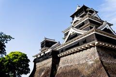 Episk sikt av två japanska slott torn Arkivfoton