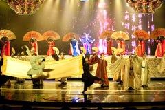 Episk snirkel--Den historiska magiska magin för stilsång- och dansdrama - Gan Po Arkivfoto