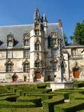 Episkopaler Palast in Beauvais stockbilder