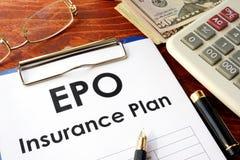 EPO-Versicherung auf einer Tabelle lizenzfreie stockbilder
