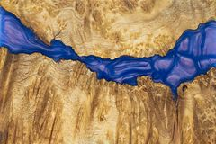 epoxy k?da som stabiliserar bakgrund f?r exotiskt tr? f?r Afzelia burl r?d, bildfoto f?r abstrakt konst arkivbilder
