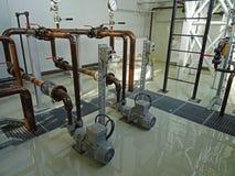 Epoxygolv och industriella installationer arkivfoto