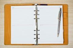 10 eps例证笔记本笔顶层透明度视图 免版税库存图片