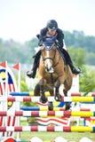 equestrian doskakiwania przedstawienie Zdjęcie Royalty Free