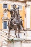 Equestrian statua cesarz Marcus Aurelius na piazza Del Campidoglio, Kapitoli?ski wzg?rze, Rzym, W?ochy fotografia stock