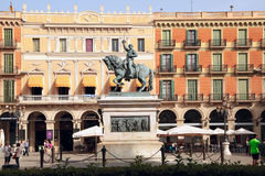 Equestrian statua generał Joan Zadbany, Reus, Hiszpania zdjęcia royalty free