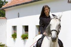 Equestrian su a cavallo fotografia stock