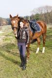 Equestrian z jej koniem Zdjęcia Royalty Free