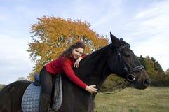 Equestrienne y caballo. Foto de archivo libre de regalías