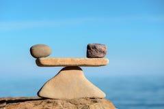Equilíbrio da harmonia das pedras Fotos de Stock Royalty Free