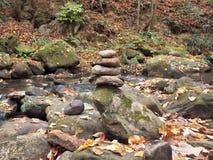 Equilíbrio da rocha fotografia de stock royalty free