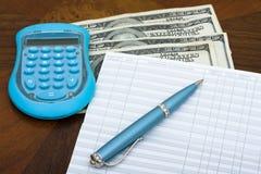 Equilibratura del vostro carnet di assegni Immagini Stock