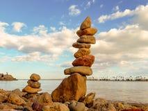 Equilibratura della roccia immagini stock