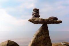 Equilibrio de guijarros Foto de archivo libre de regalías
