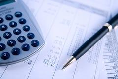 Equilibrio de las cuentas Imágenes de archivo libres de regalías