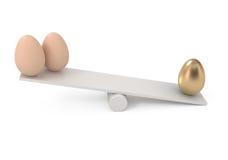 Equilibrio ed uova isolati su bianco Fotografia Stock Libera da Diritti