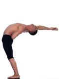 Equilibrio relativo alla ginnastica di acrobatics del ritratto dell'uomo Immagine Stock