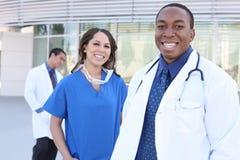 Equipa médica diversa bem sucedida Fotografia de Stock Royalty Free