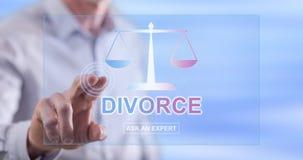 Equipaggi il contatto del sito Web online di consiglio di divorzio su un touch screen fotografie stock libere da diritti
