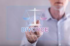 Equipaggi il contatto del sito Web online di consiglio di divorzio su un touch screen immagini stock libere da diritti