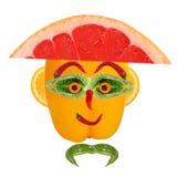 Equipaggi il ritratto in cappello fatto delle verdure e della frutta Immagini Stock