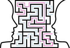 Equipaggi la donna i profili del profilo che affrontano un puzzle in labirinto Immagine Stock Libera da Diritti