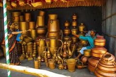 Equipaggi la vendita delle navi di rame, il museo della scultura, il per la matematica di Kaneri, Kolhapur, maharashtra Fotografie Stock Libere da Diritti