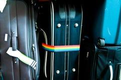 Equipaje que consiste en las mochilas grandes de las maletas Fotos de archivo libres de regalías