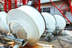 Imagem detalhada de comunicações da parte com uma antena da telecomunicação Imagem de Stock Royalty Free