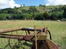 Equipamento agrícola velho, Nova Zelândia Fotos de Stock