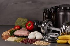 Equipamento da nutrição e da aptidão dos esportes Imagem de Stock Royalty Free