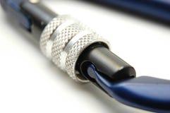 Equipamento de escalada - sistema do fechamento de Carabiners Fotos de Stock Royalty Free