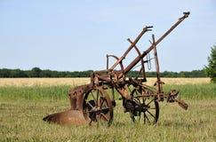 Equipamento de exploração agrícola velho Fotografia de Stock