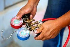 Equipamento de medição dos manômetros para condicionadores de ar de enchimento, calibres fotos de stock royalty free