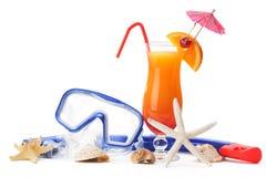 Equipamento de mergulho e bebida de refrescamento do verão Imagem de Stock