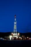 Equipamento de perfuração na noite Imagem de Stock
