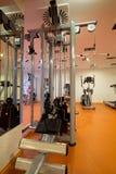 Equipamento de treinamento do peso Fotografia de Stock
