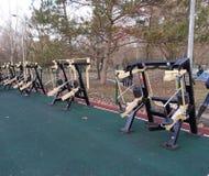 equipamento do exercício no parque público imagem de stock royalty free