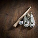 Equipamento do jogador de beisebol imagem de stock royalty free
