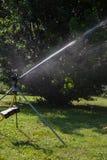 equipamento do spinkle em um gramado verde Fotografia de Stock Royalty Free